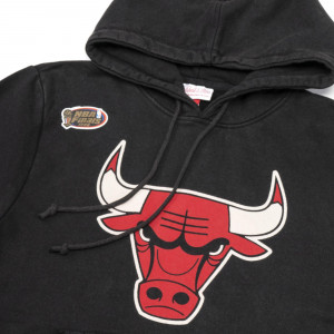 M&N NBA Chicago Bulls Worn Team Logo Hoodie ''Black''