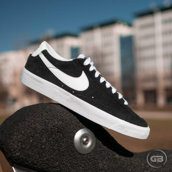 Nike Blazer Low '77 ''Black''